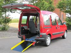 2002 52 RENAULT KANGOO 1.4 AUTOMATIC WHEELCHAIR ACCESS RAMP * Electric winch  ONLY 30000 MILES £2495 www.thecarwarehouse.co.uk