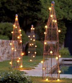 Cute garden lighting ideas for a relaxed outdoor. Get inspired: www.luxxu.net | #outdoor #exteriordesign #luxurydesign