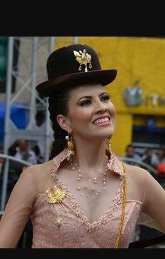 Chola paceña antigua, carnaval de oruro Bolivia