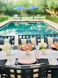 white and pink poolside table, summer tablescape, hosting by the pool. white and pink table decor with pops of gold and florals Summer Party Themes, Summer Pool Party, Summer Parties, Garden Parties, Party Ideas, Outdoor Dinner Parties, Outdoor Entertaining, Pink Table, Outdoor Furniture Sets