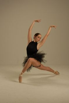 Ballet | Adult Ballet Classes with AROVA Contemporary Ballet