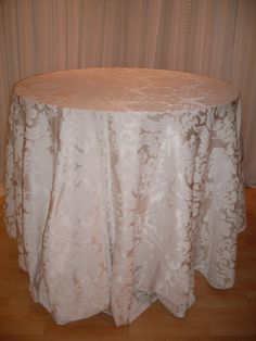 Ivory Brocade #linen #pattern #chairdecor #linenfactory #event #finelinen #tabledecor