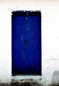 color photography Blue Door Instant Digital by MiTierraEsTuTierra