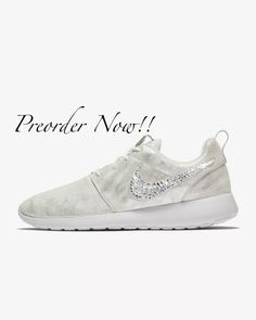 innovative design 71be4 ee8de Nike Roshe Swarovski femmes Run baskets argent platine pur   Etsy  nike   shoes