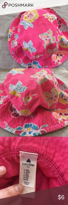 Baby Gap hat- perfect for beach BabyGap pink hat size M/L - perfect for beach season.  100% cotton means easy washing GAP Accessories Hats