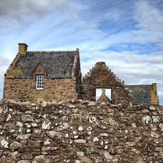 Exploring the Clifftop Ruins of Scotland's Dunnottar Castle