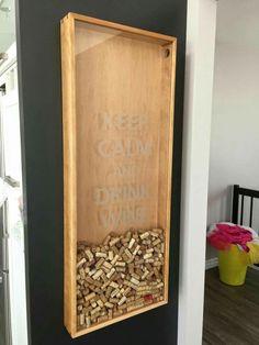 id e pour d co de bar cadre avec bouchon de vin id es d co bar pinterest bar. Black Bedroom Furniture Sets. Home Design Ideas