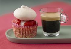 Pavlova cupcake style & Nespresso decaf - Combining sweetness and delicacy, the perfect 'pas de deux', named for the Russian ballerina, Anna Pavlova.