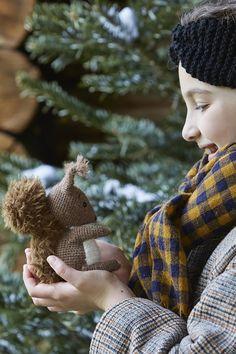 Patron gratuit: le tuto pour faire un doudou écureuil en crochet - Marie Claire