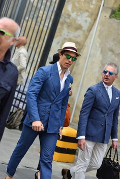http://chicerman.com  1000yardstyle:  Pitti Uomo street style  #menscasual