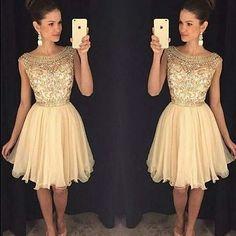 Inspiração linda de vestido curto via @nasceuumanoiva  . . #casarei #noivinhas #noiva #casamento #vestido #love #agoraVouCasar ❤️                                                                                                                                                      Mais