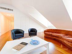 In palazzo fine '800, meravigliosa mansarda di 165mq. Ristrutturata . Da visionare . Per informazioni :info@casaelusso.com www.casaelusso.com