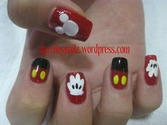 i just love mickey mouse!!