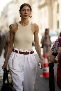 All summer trends on the streets of Paris: what are they wearing at the High Fashion Week Fashion Mode, Look Fashion, Korean Fashion, High Fashion, Autumn Fashion, Womens Fashion, Fashion Tips, Fashion Trends, Top Street Fashion