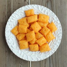 Homemade Cheez-Its (Cheddar Cheese Crackers) via @Rachel