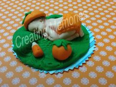 My Favor Time - Fondant Pumpkin Baby Cake Topper made of vanilla fondant, boy or girl ready for your home made cake  or cupcakes