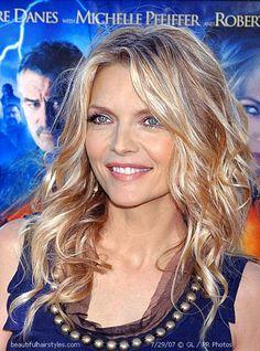 blonde highlighted hair on Michelle Pfeiffer