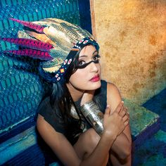 feather headdress = coolest thing ever