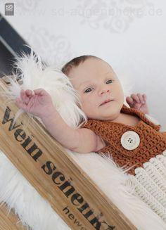 ♥♥♥♥♥♥ Willkommen ♥♥♥♥♥♥  Eine ausgefallene Baby Latzhose  perfekt für die Neugeborenenfotografie.  Die Qualität des Garnes ist sehr ausgefalle...