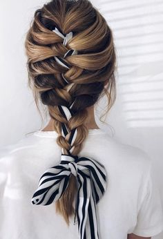 Uploaded by ♛☾Aesthetic☽✘. Find images and videos on We Heart It - the app to get lost in what you love. Scarf Hairstyles, Pretty Hairstyles, Braided Hairstyles, Teen Hairstyles, Hair Scarf Styles, Curly Hair Styles, Aesthetic Hair, Hair Day, Gorgeous Hair