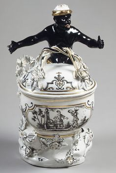 Sugar box, Hard-paste porcelain  Vienna, ca. 1741-44.