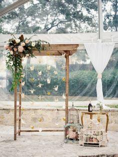décoration arche de mariage de style shabby chic, cérémonie laïque