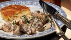 Züri-Geschnetzeltes - Zurich style minced meat is made from veal, thinly sliced and sautéd.