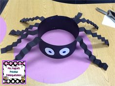 Silly Spider Hats Craft! Check out this easy craft project perfect for Halloween! Alaska Center for Pediatrics… http://ibeebz.com