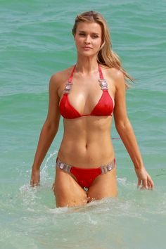 Joanna-Krupa-Bikini-Candids-Miami-21
