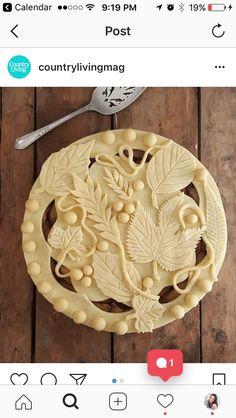 Creative Pie Crust, Beautiful Pie Crusts, Pie Crust Designs, Pie Decoration, Pies Art, Perfect Pie Crust, Pastry Art, Pie Crust Recipes, No Bake Pies