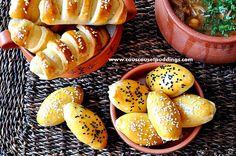 Pour changer des boureks aux feuilles de briks on vous propose des boureks à la pâte à pain que vous pouvez fourrer à votre choix: poulet, viande, thon, e pinards..etc Ingrédients: Pour la pate: 2 verres de farine 1/2 cac de sel 1/4 verre d'huile 1/2...