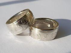 Setje ringen gemaakt uit zilveren Juliana rijksdaalders