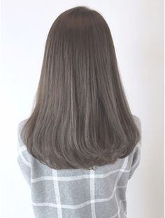 such a pretty ash brown color. if i ever dye my hair, it will be this color.