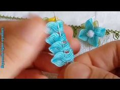Another brand new needlework lace model video like flower floor diy rose made - Hand Work Embroidery, Creative Embroidery, Hand Embroidery Stitches, Ribbon Embroidery, Embroidery Patterns, Cloth Flowers, Fabric Flowers, Diy Flowers, Ribbon Crafts
