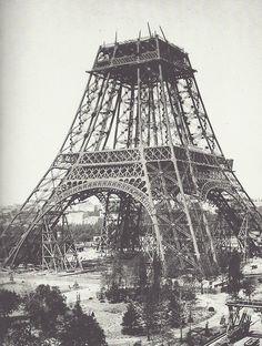 Construction de la Tour Eiffel, photographie stéréoscopique de Léon et Levy, juillet 1888