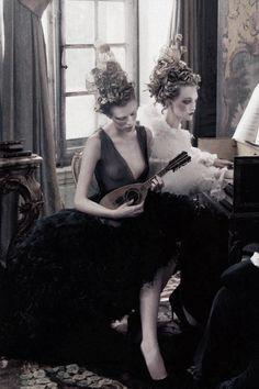 """""""French Twists"""" by Annie Leibovitz"""