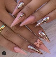 Spitze nägel Tip nails Related posts: 25 Amazing Stiletto Tip Nail Designs That You'll Love; Perfect Nails, Gorgeous Nails, Pretty Nails, Nail Swag, Hot Nails, Hair And Nails, Nail Art Arabesque, Nail Art Strass, Diva Nails