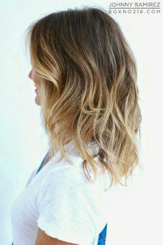 Loving this short low maintenance hairstyle: