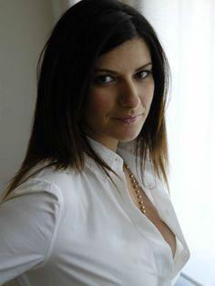 Laura Pausini Singing Contest, Idol, Pop Singers, Blake Lively, Record Producer, Like4like, Celebs, Photos, Actresses