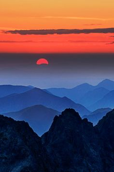 Over the Last Hill ... Sunset in Rysy, Slovakia | by Peter Kováč