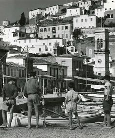 Hydra In he visited Greece and captured scenes from social events, everyday life, rural habits and Greek traditions. The photographs were mostly taken on the island of Skiathos with a few from his subsequent visits to Hydra and Athens. Greek Sea, Greece Photography, Classic Photography, Greece Pictures, In Another Life, National Portrait Gallery, In Ancient Times, Most Beautiful Beaches, Athens Greece
