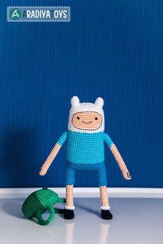 Finn (Adventure Time) amigurumi crochet pattern by AradiyaToys