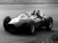 Mike Hawthorn in Ferrari, 1958 Dutch Grand Prix