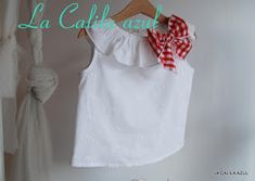 Blog sobre moda infantil y cosas bonitas en general Fashion Kids, Baby Bibs, Sewing Patterns, Flower Girl Dresses, Victoria, Summer Dresses, Wedding Dresses, Clothes, Tops
