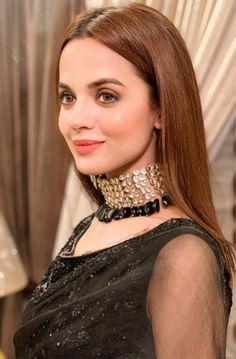 Simple Pakistani Dresses, Pakistani Dress Design, Stylish Girls Photos, Girl Photos, Dps For Girls, Embroidery Suits, Pakistani Actress, Girls Dpz, Celebs