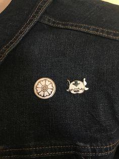 Avatar the Last Airbender Appa Enamel Pin Bag Pins, Cute Keychain, Hard Enamel Pin, Viking Jewelry, Cute Pins, Pin And Patches, Avatar The Last Airbender, Stickers, Lapel Pins
