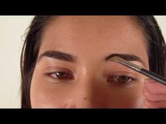 Beauty Basics - Filling in Your Eyebrows (Live Version!)