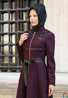 2015 Nihle Deri Kemerli Bordo Pardesü Muslim Fashion, Hijab Fashion, Hijab Style, Niqab, Hijab Outfit, Indian Designer Wear, Designer Collection, Gowns, Womens Fashion