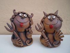 Michaela Lindovská | Galerie V-ATELIER Bird Doodle, Clay Monsters, Michaela, Doodles, Clip Art, Pottery, Sculpture, Christmas Ornaments, Holiday Decor