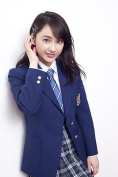 平祐奈 Cute School Uniforms, School Uniform Girls, Girls Uniforms, High School Girls, Women Wearing Ties, School Girl Japan, Beautiful Dresses For Women, Beautiful Women, Japanese School Uniform